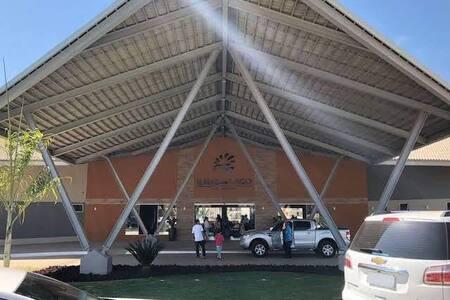 Resort Ilhas do Lago, 1Qrto. p/ 5 Pessoas