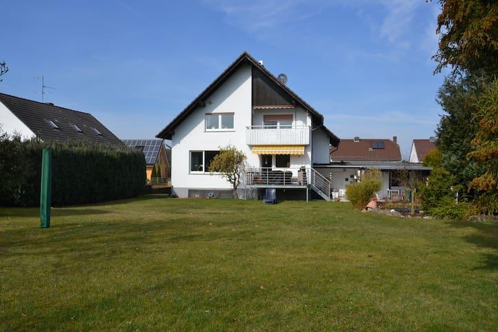 Tolle Wohnung/Balkon in Wolfershausen bei Kassel - Felsberg