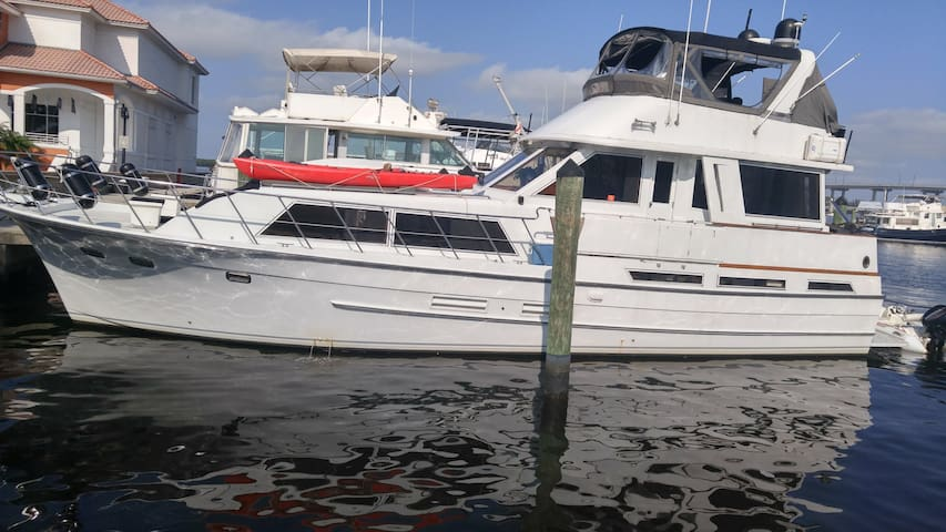 52 Foot Yacht in Ft Myers Historic River District