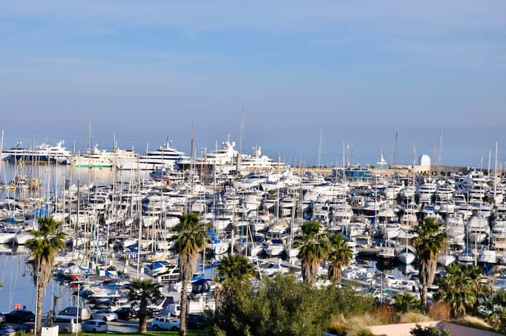 STUNNING 2-BEDROOM GORGEOUS SEA VIEW-StayInAntibes