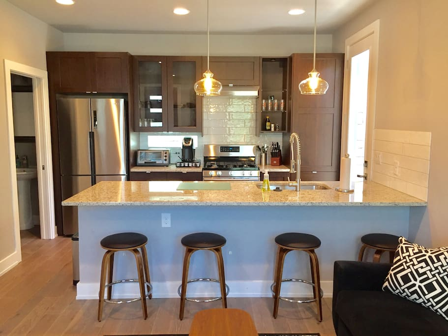 Modern clean east austin 2 bedroom 2 5 bath home houses for rent in austin texas united states for 2 bedroom house for rent austin tx
