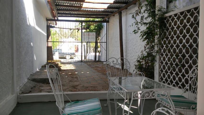 Casa a 20mts de la Rambla - Costa Azul - บ้าน