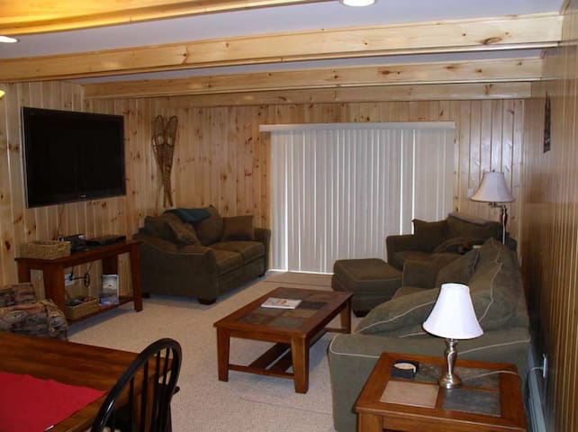 Beautiful Golf Course Condo on Moosehead Lake