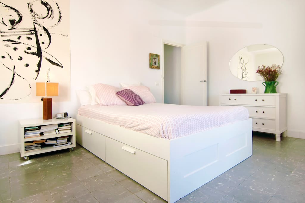 Seaside sunny quiet and spacious bed and breakfasts en for Beds 4 u malaga