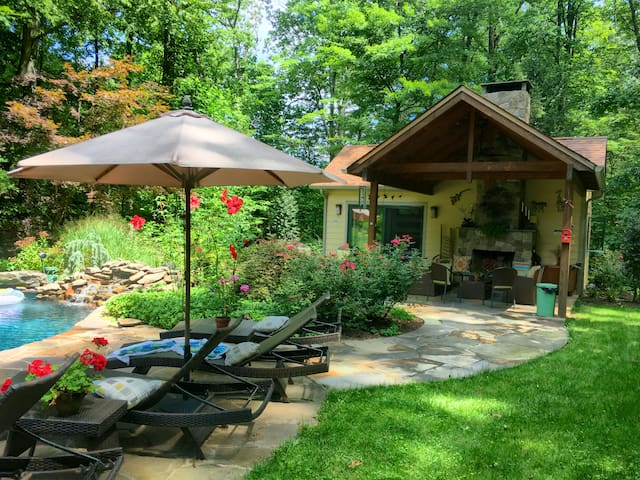Bucks County - A Country Cottage with Pool & Spa