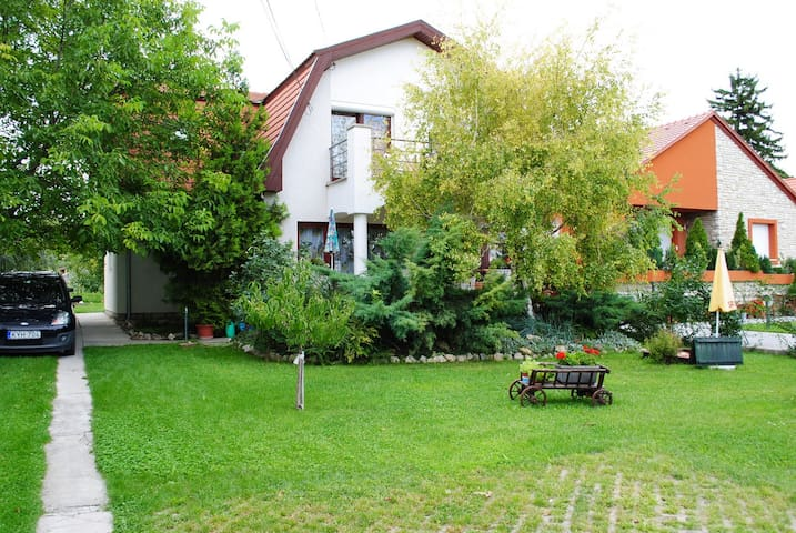 Lovely two-room  apartman with  balkony /40 m2/ - Balatonfüred - Apartamento