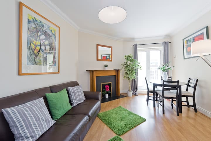 **MONTHLY DISCOUNTS**GREAT LOCATION NEAR TRINITY COLLEGE 1BED AT MERRION SQUARE