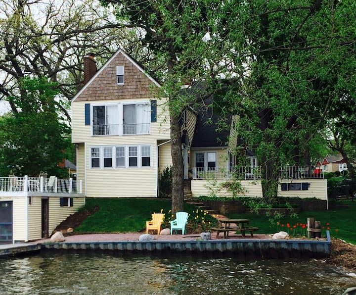 Beautiful Classic Lake House