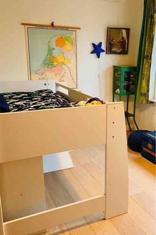 Bedroom 3 with regular single medium high bed (2.00 x 0.90 m)