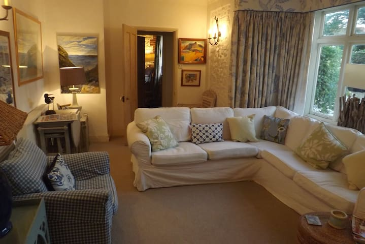 sunny well decorated room - Brancaster