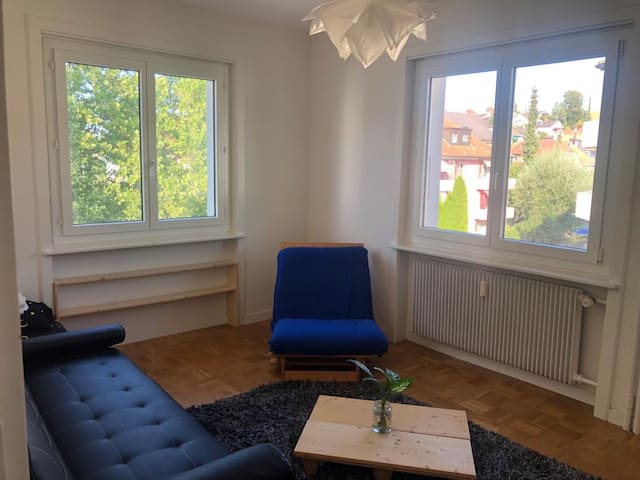 Bright, well located, functional apartment