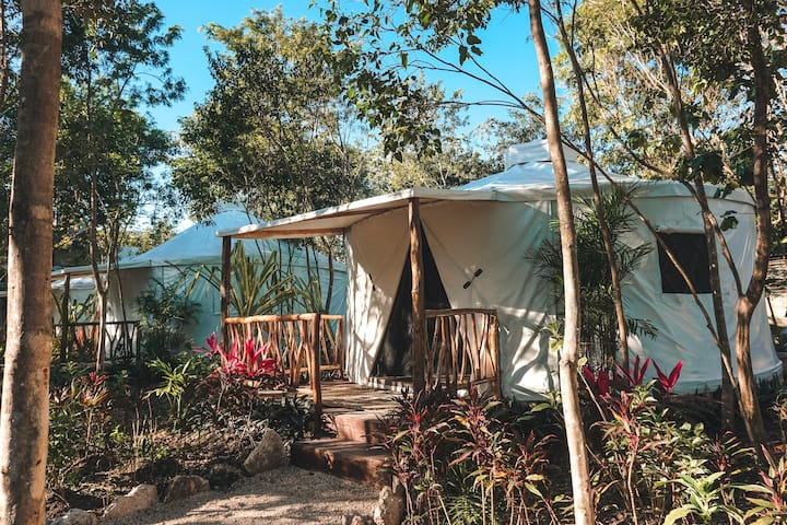 Huaya Camp Queen Mayan Yurt