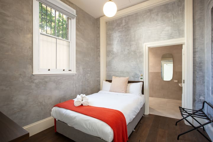 Large Hotel Room With Private En Suite Bath