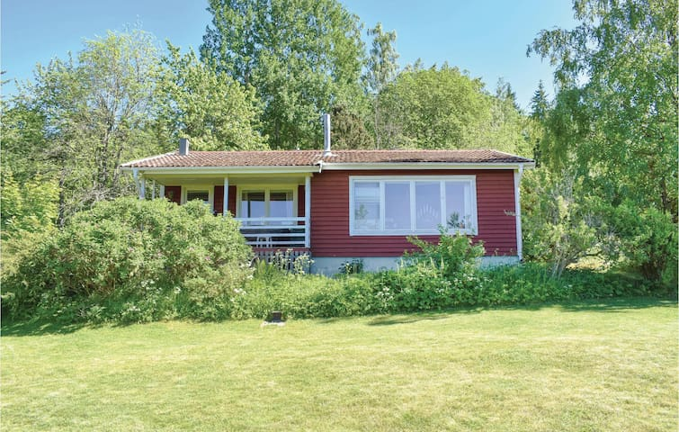 Holiday cottage with 3 bedrooms on 65m² in Gränna