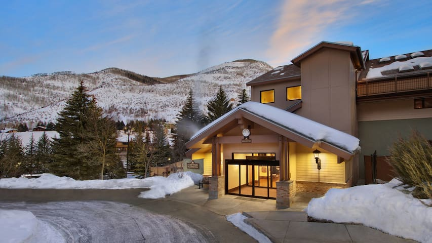 Villa At Vail In Marriott Douglas Sleeps 10