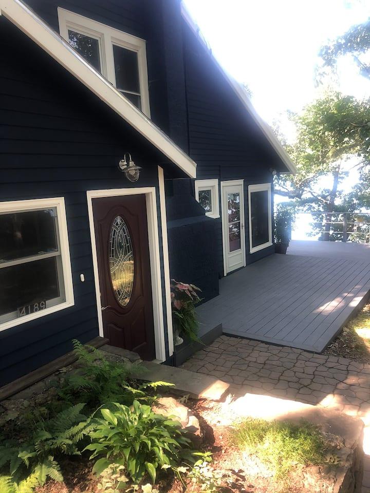 HOSTA HAVEN Seneca Lakefront Cottage, Hot Tub&Dock