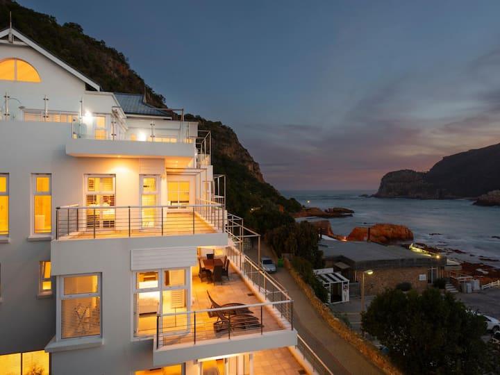 Spacious, beach access, views, relaxed living