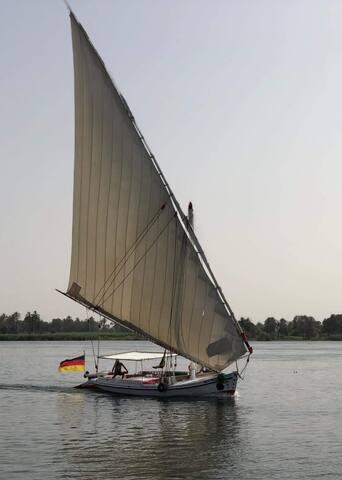 notre felouque en navigation entre Assouan et Louxor