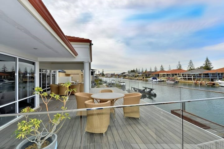 Enjoy The Canal Life in Port Mandurah