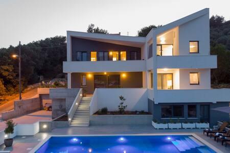 Luxury Apartment Luna