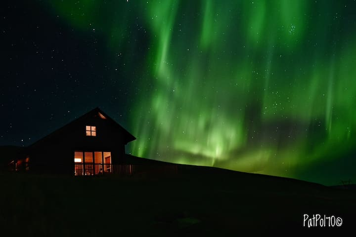 Luxury & Cosy Log Cabin right on the Golden Circle - Selfoss - Chalet