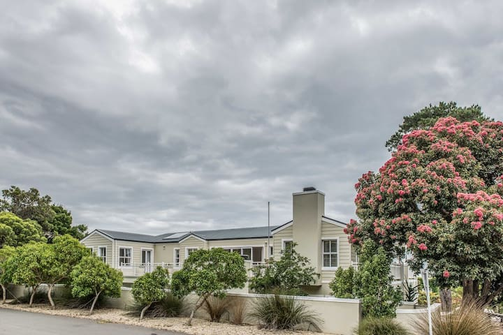 Tshibain - Our Heavenly Hermanus Home