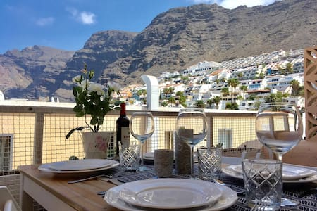Los Gigantes Centre Canarian Apartment