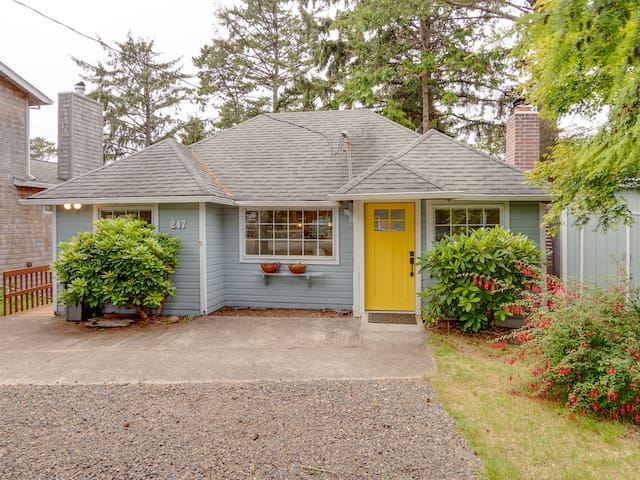 THE YELLOW ABODE ~ MCA 801 ~ A charming home in town with a peaceful backyard - 2 Bedroom, 1 Bathroom