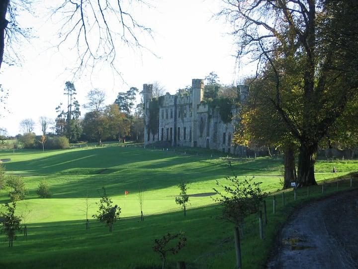 The Earl's Bungalow, Castle Bernard