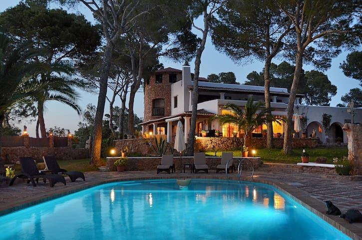 Traumhafte Villa mit Meerblick auf Ibiza