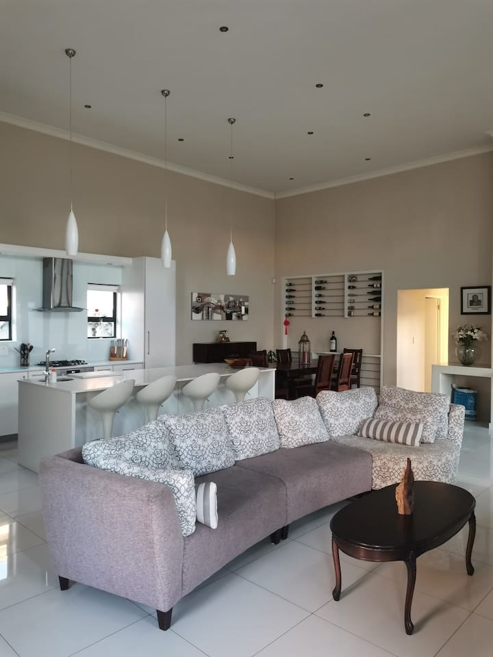 Luxurious Break Away Holiday Home