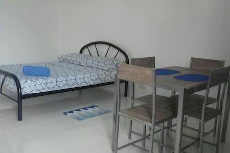 Mayon room 8