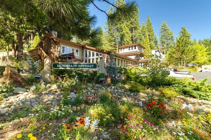 2-bedroom condo in Mountain Retreat Resort