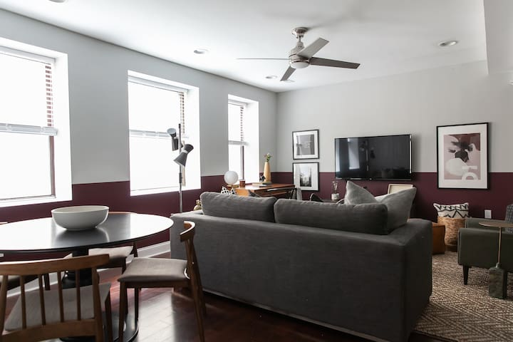 Domio | Old City | Hip 1BR near Penn's Landing