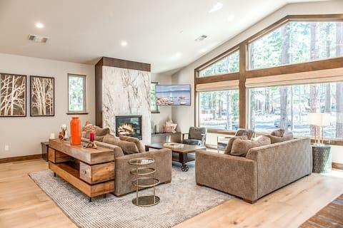 Huge Home with Indoor Pool - Walk to Skiing