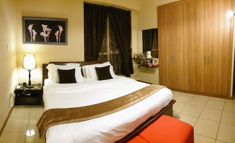 Ensuite Executive Room Near Tram In Dubai Marina