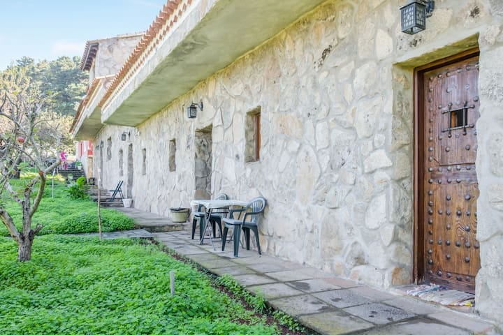 Rustic Apartment La Negrita with Mountain View & Wi-Fi, Parking Available