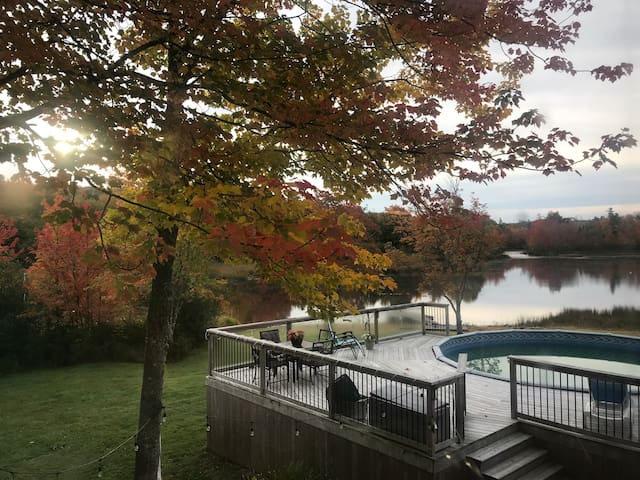 Fall River Waterfront ~Large room~ Airport 13mins