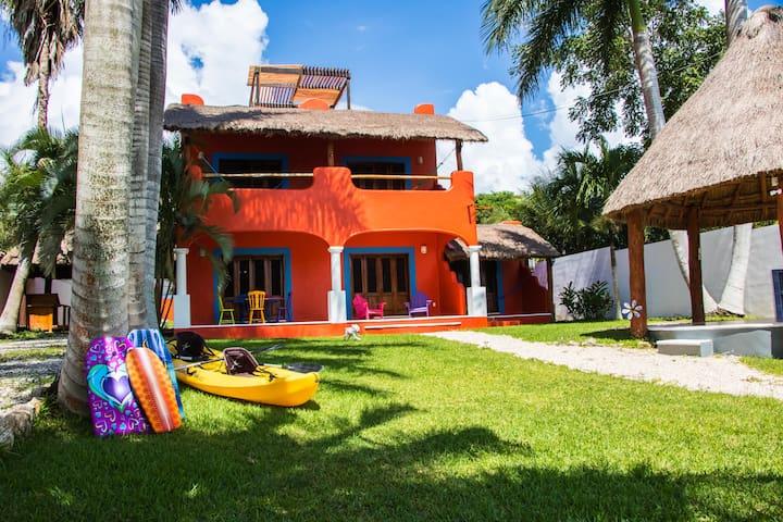 Casa del Árbol - villa con muelle - Bacalar - Villa