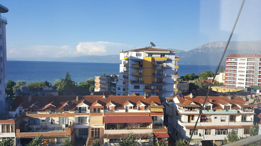 Cozy Apartment Near Lake Ohrid - Pogradec - Apartment