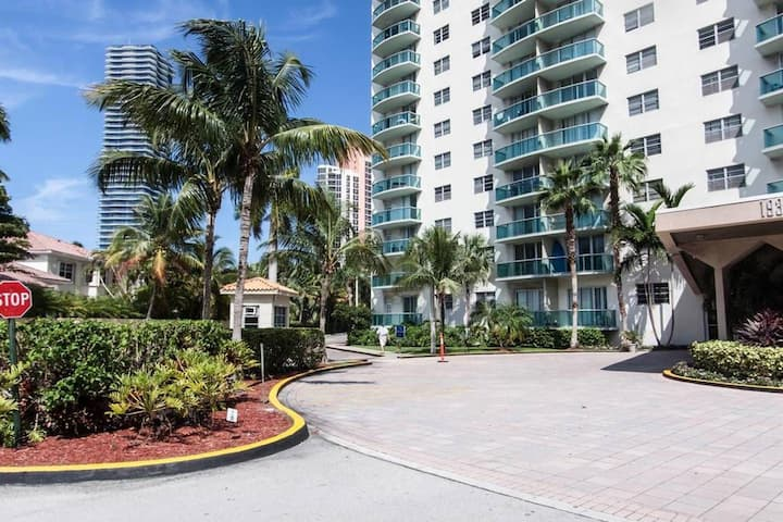 DS  |  The Ocean Reserve Resort |  2BR with ocean view in Miami #1003