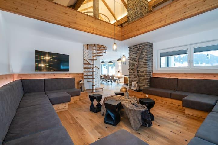 Chalet muy lujoso con mucho espacio y gran terraza en una región excelente
