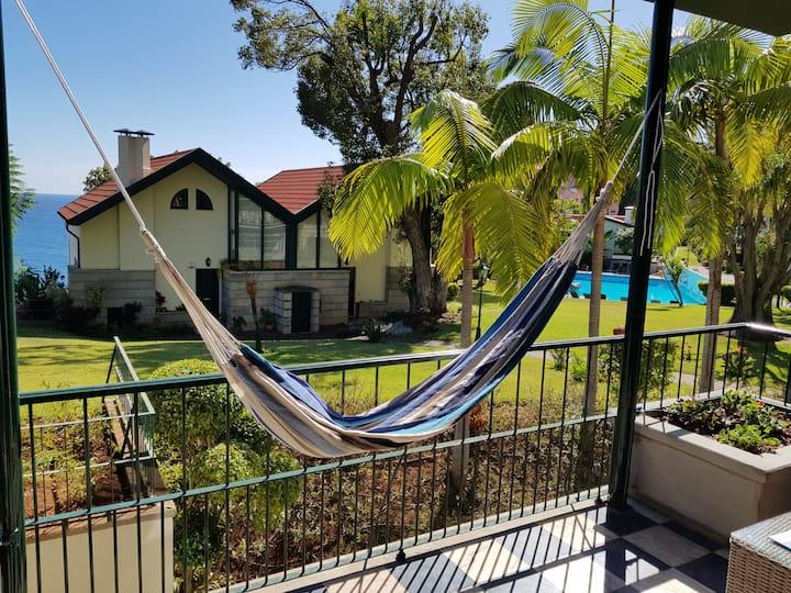 Reid's Gardens - Luxury Flat in a Very Calm Condo.