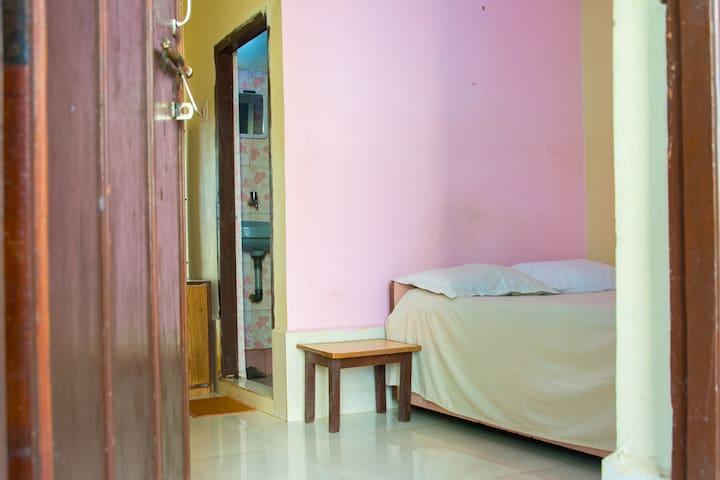Comfortable room close to the beach - Anjuna - Casa de huéspedes
