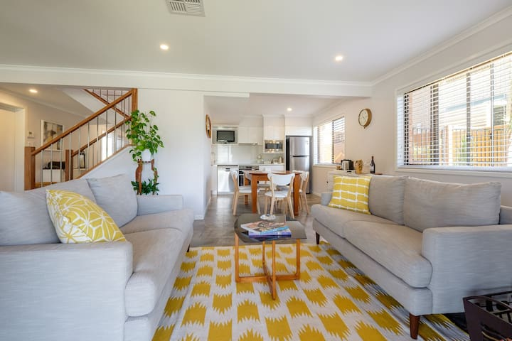 Entire 1st Floor! Nothing to share! - Redland Bay