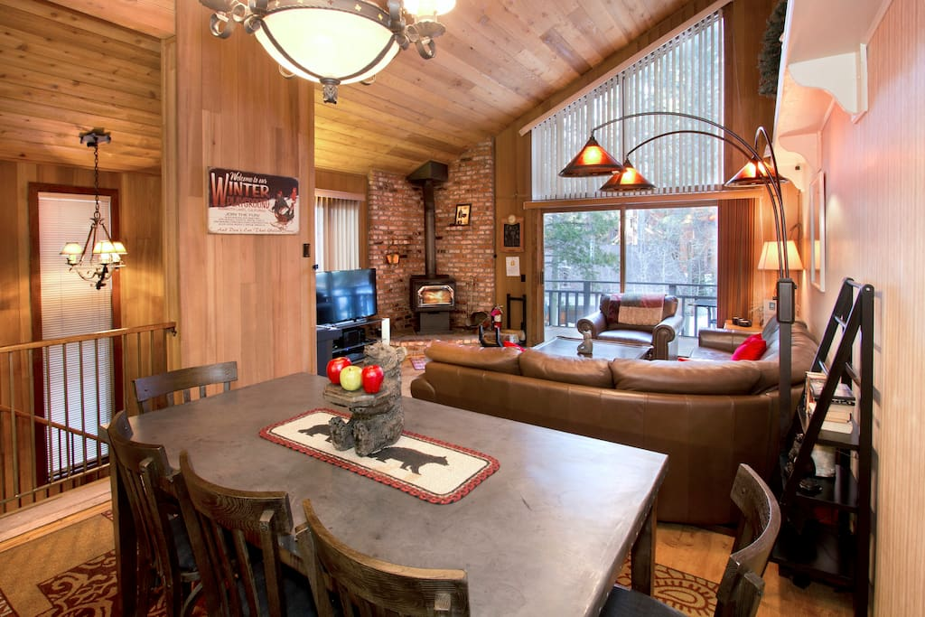 Great Space for families and friends gathering. High-End Furniture.