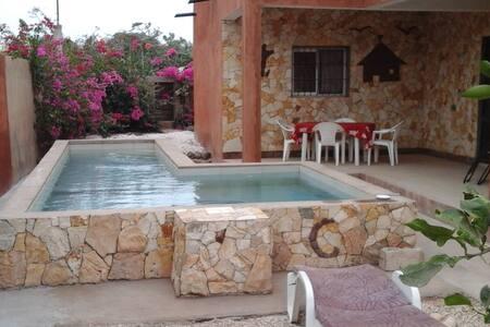 Belle maison, avec jardin arboré - Popenguine - Talo