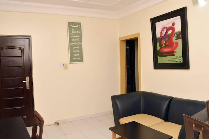 Queen's Court Hotel-Executive Suite