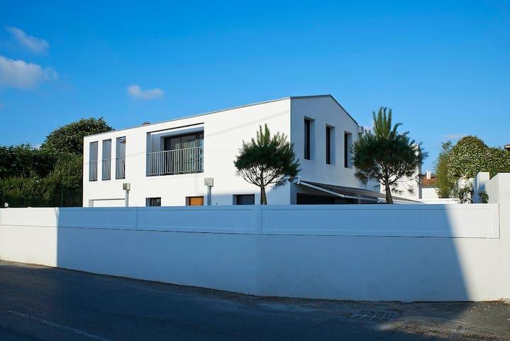 Bonita casa nueva cerca del golf de Biarritz - Anglet - Casa