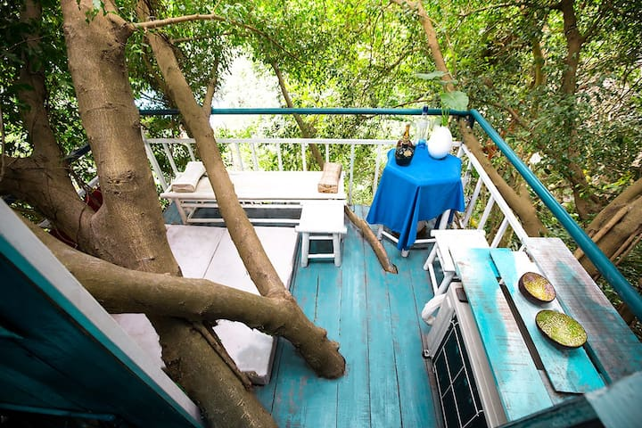 Sky Tree House + POOL +2000m2 Garden Arts Homestay